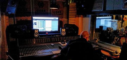 studio1.1